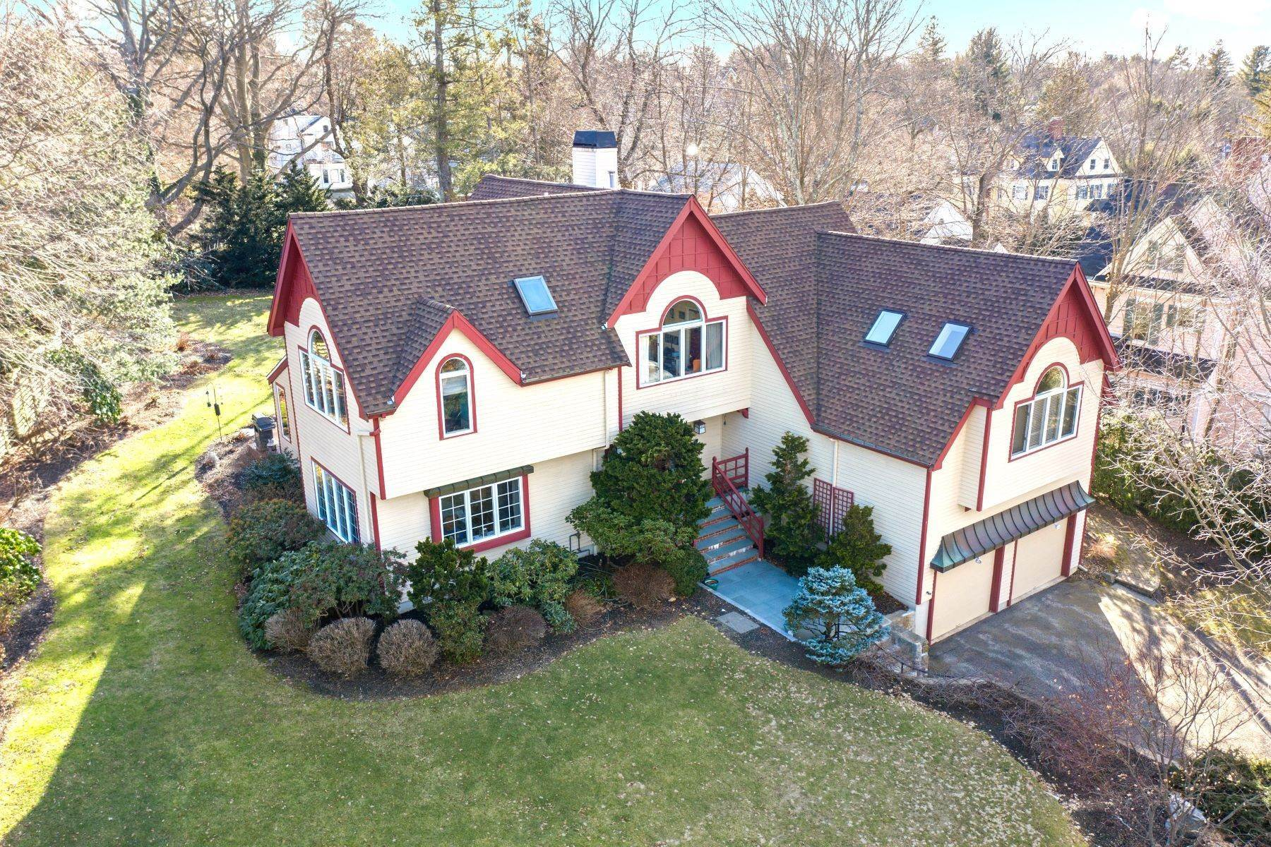 Single Family Homes por un Venta en 326 Highland Avenue Newton, Massachusetts 02465 Estados Unidos
