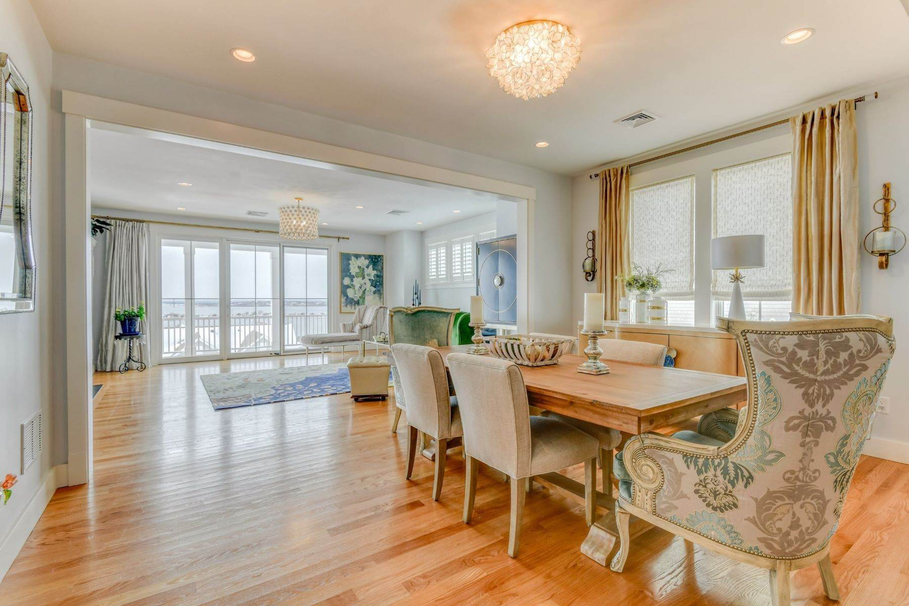 10. Condominiums for Sale at Immaculate Townhome at The Villages 41 Yardarm Drive Tiverton, Rhode Island 02878 United States
