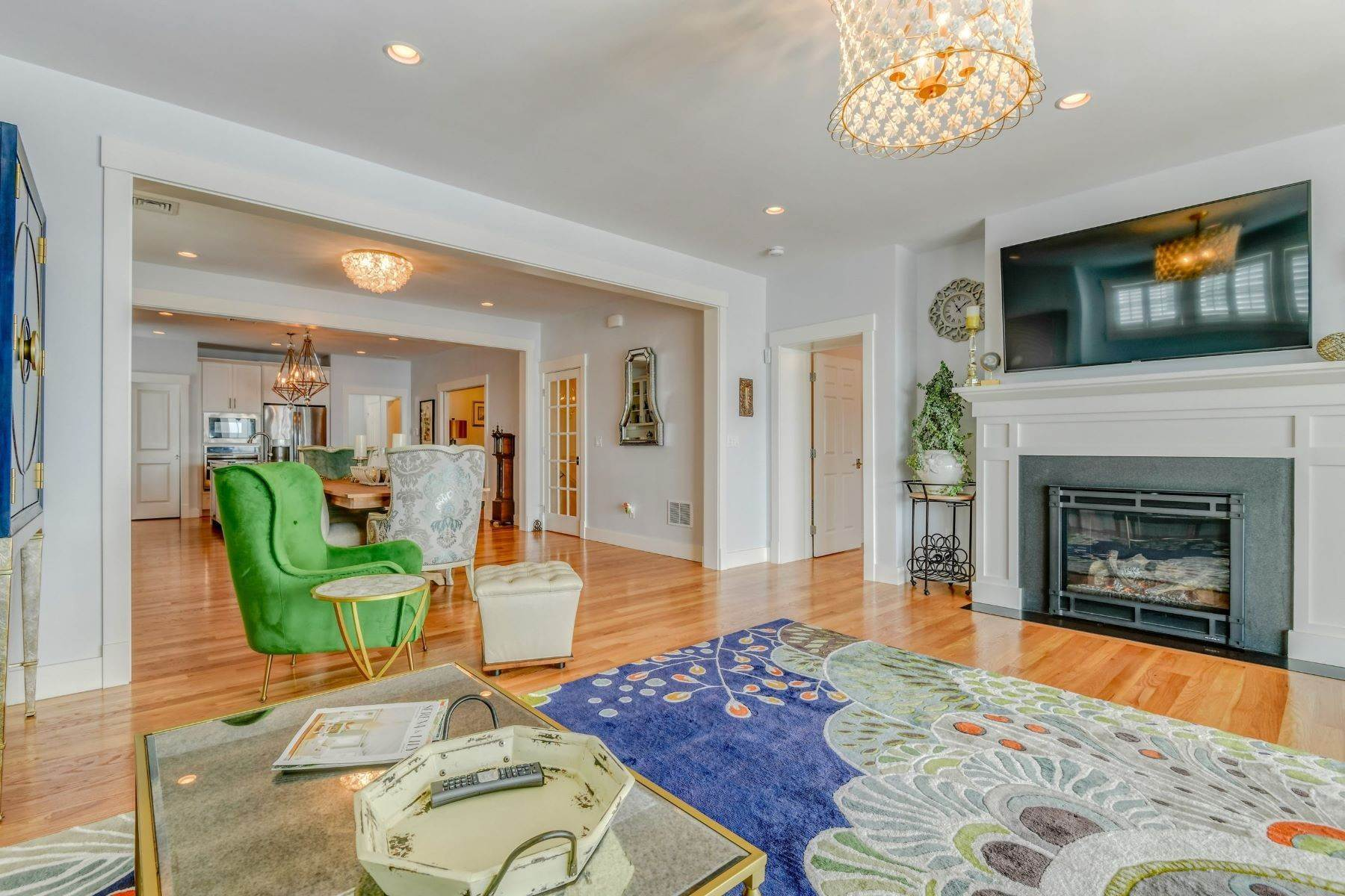 17. Condominiums for Sale at Immaculate Townhome at The Villages 41 Yardarm Drive Tiverton, Rhode Island 02878 United States