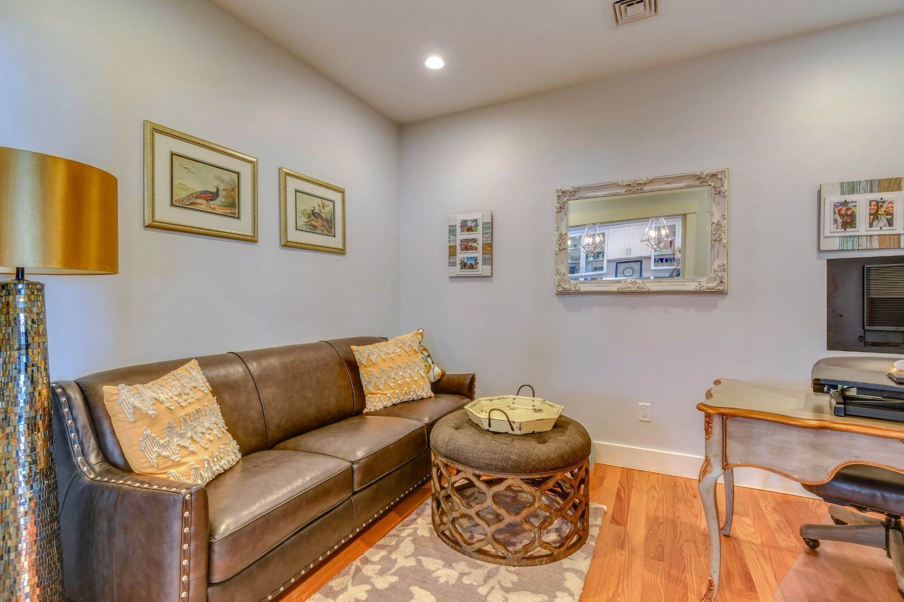 8. Condominiums for Sale at Immaculate Townhome at The Villages 41 Yardarm Drive Tiverton, Rhode Island 02878 United States