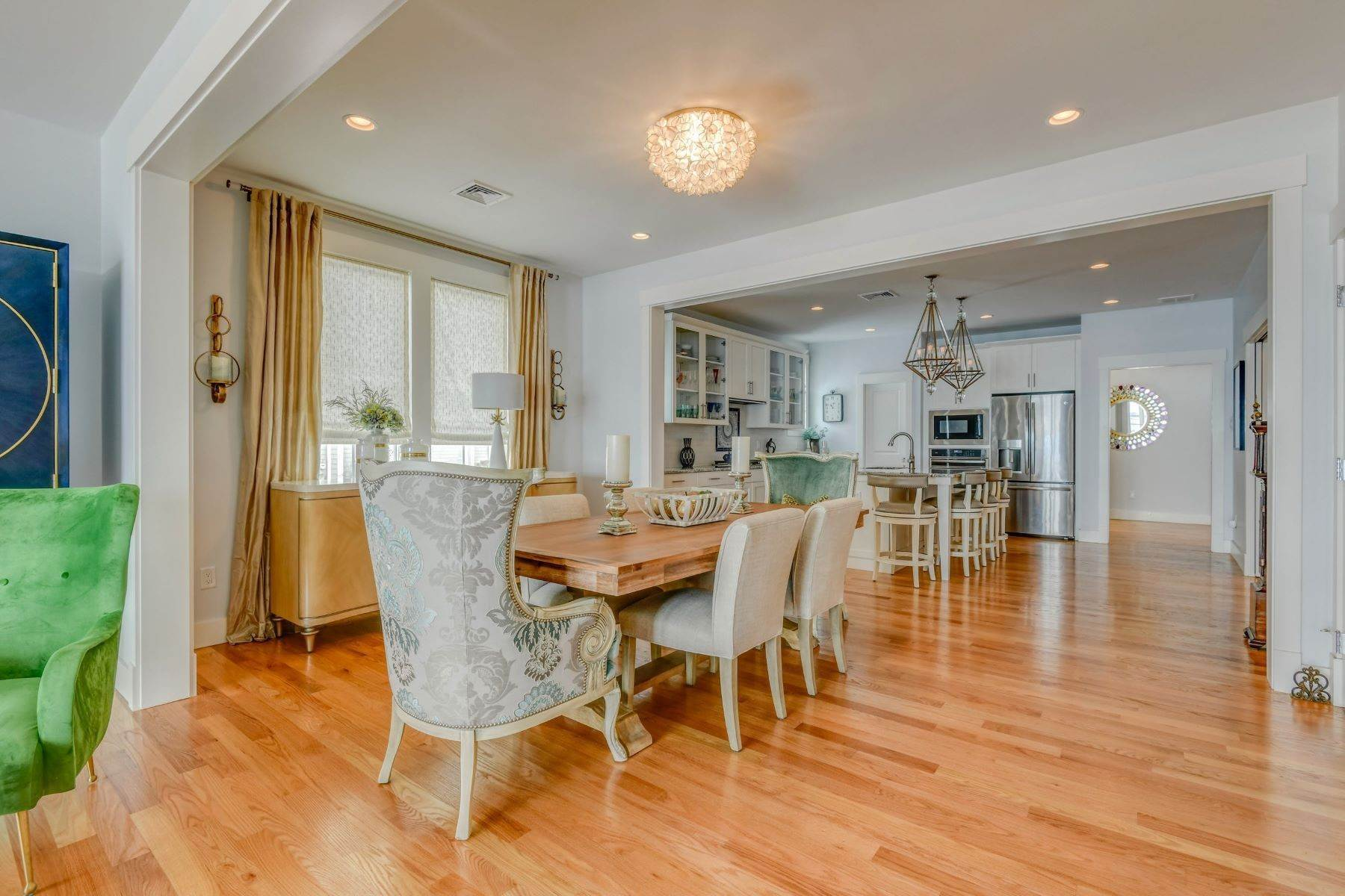 12. Condominiums for Sale at Immaculate Townhome at The Villages 41 Yardarm Drive Tiverton, Rhode Island 02878 United States