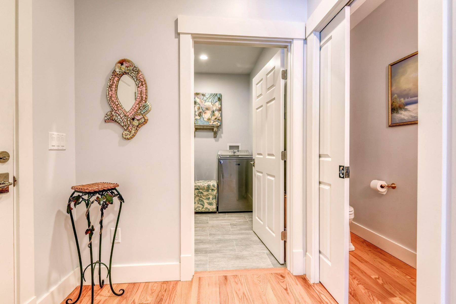 19. Condominiums for Sale at Immaculate Townhome at The Villages 41 Yardarm Drive Tiverton, Rhode Island 02878 United States