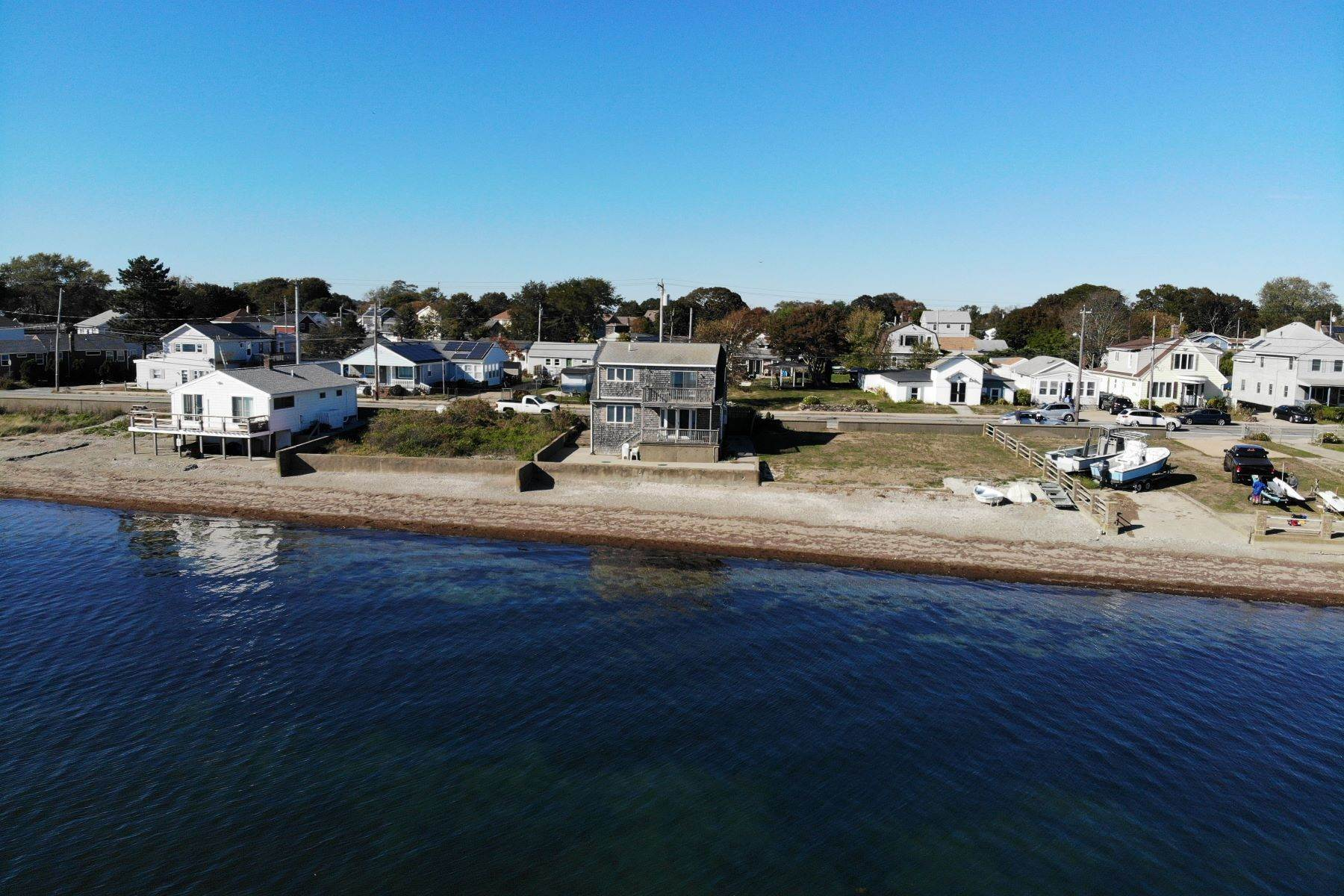 Single Family Homes for Sale at Island Park Beach Cape 395 Park Avenue Portsmouth, Rhode Island 02871 United States