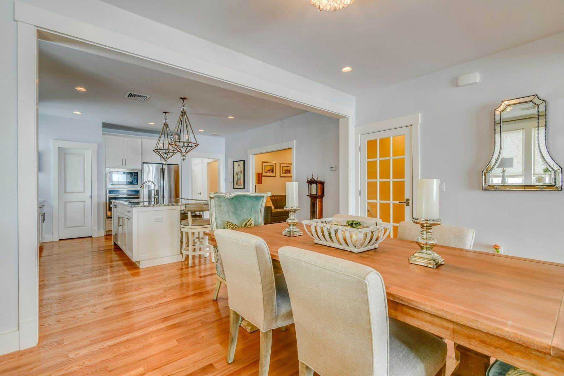 13. Condominiums for Sale at Immaculate Townhome at The Villages 41 Yardarm Drive Tiverton, Rhode Island 02878 United States