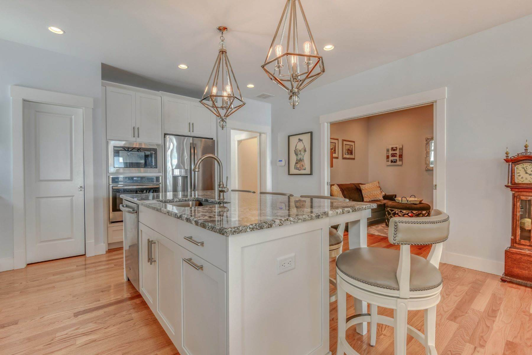 5. Condominiums for Sale at Immaculate Townhome at The Villages 41 Yardarm Drive Tiverton, Rhode Island 02878 United States