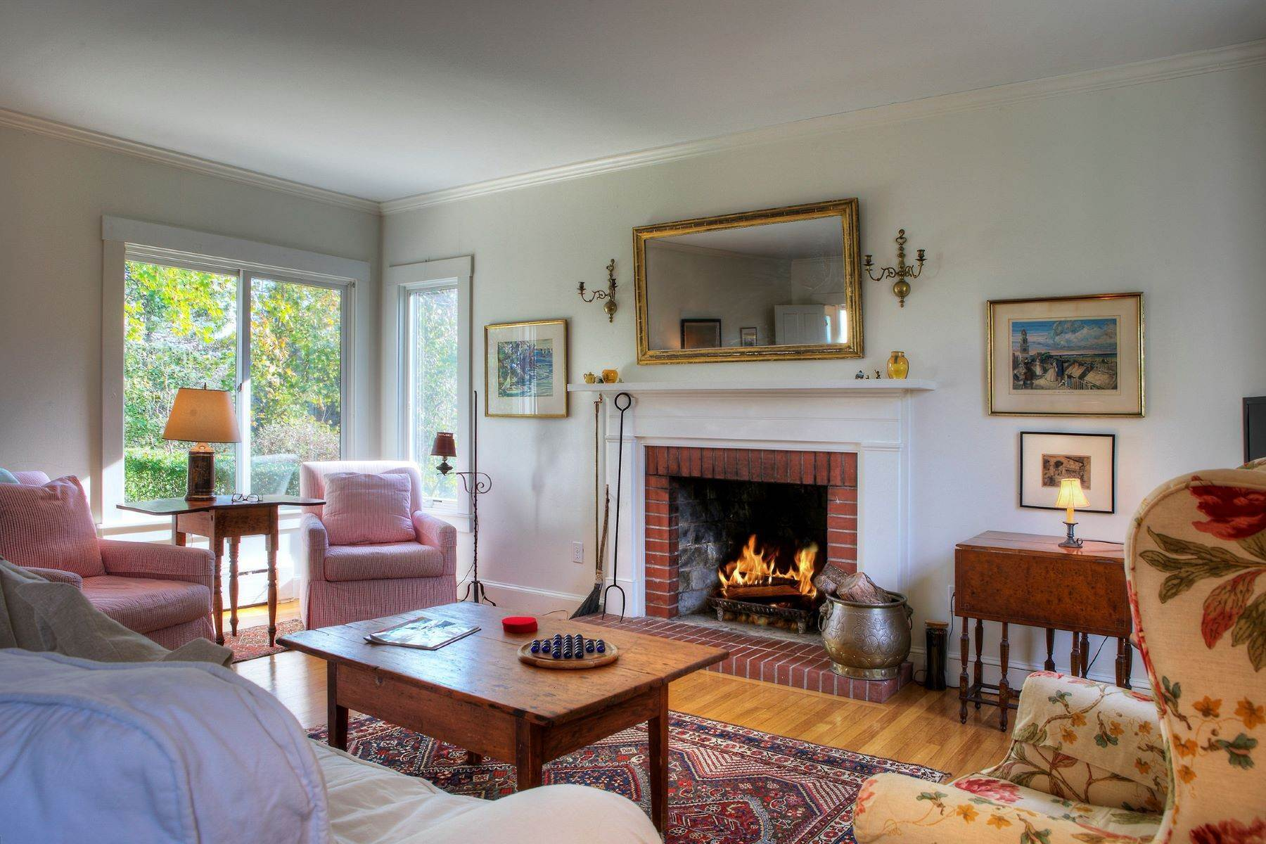 10. Single Family Homes for Sale at The Glen 297 Glen Road Portsmouth, Rhode Island 02871 United States