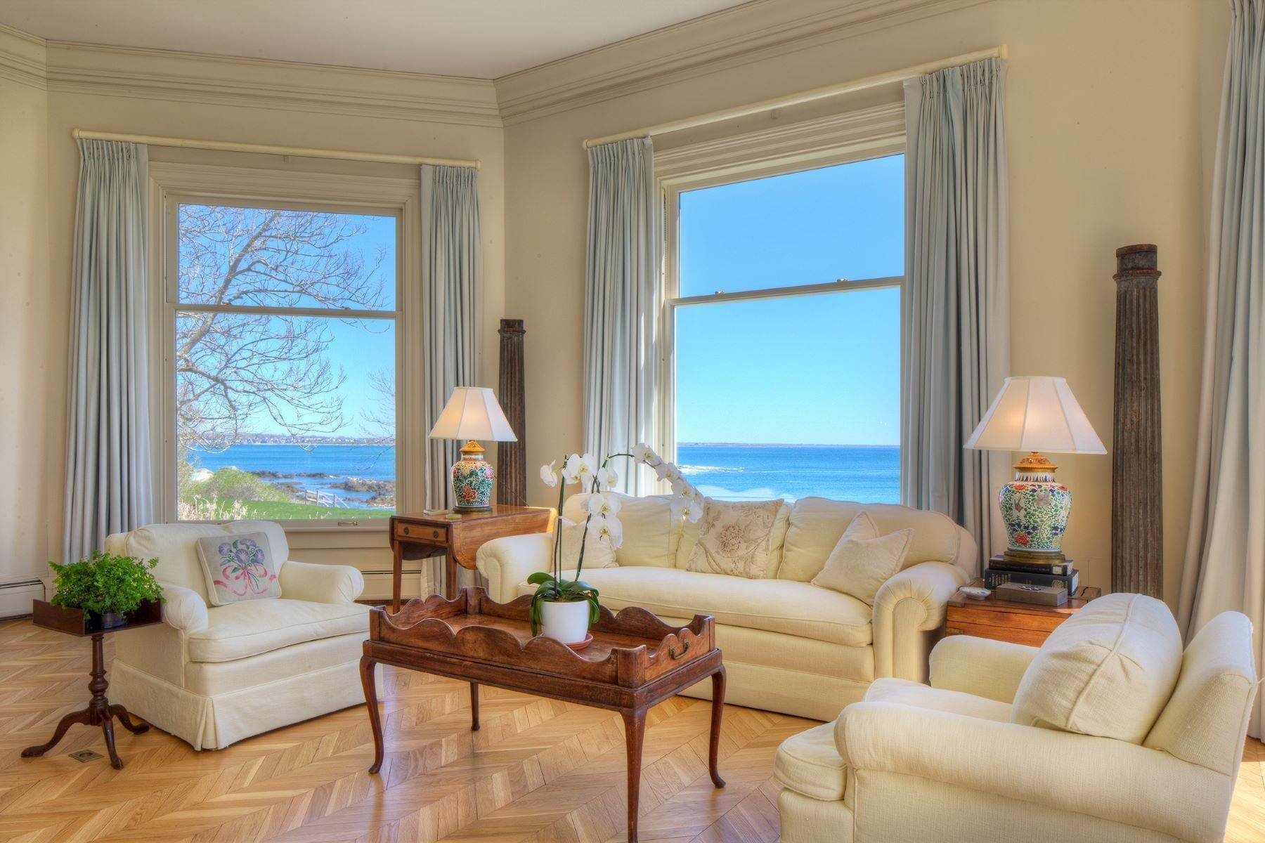 15. Single Family Homes for Sale at 'Ocean View' 662 Bellevue Avenue Newport, Rhode Island 02840 United States