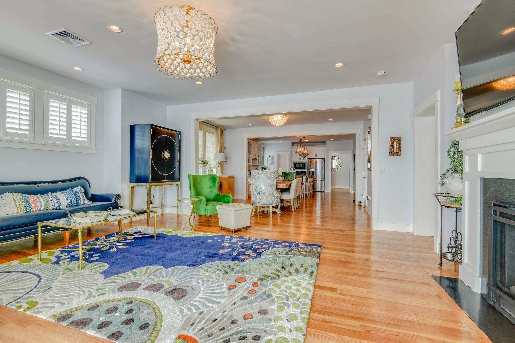 18. Condominiums for Sale at Immaculate Townhome at The Villages 41 Yardarm Drive Tiverton, Rhode Island 02878 United States