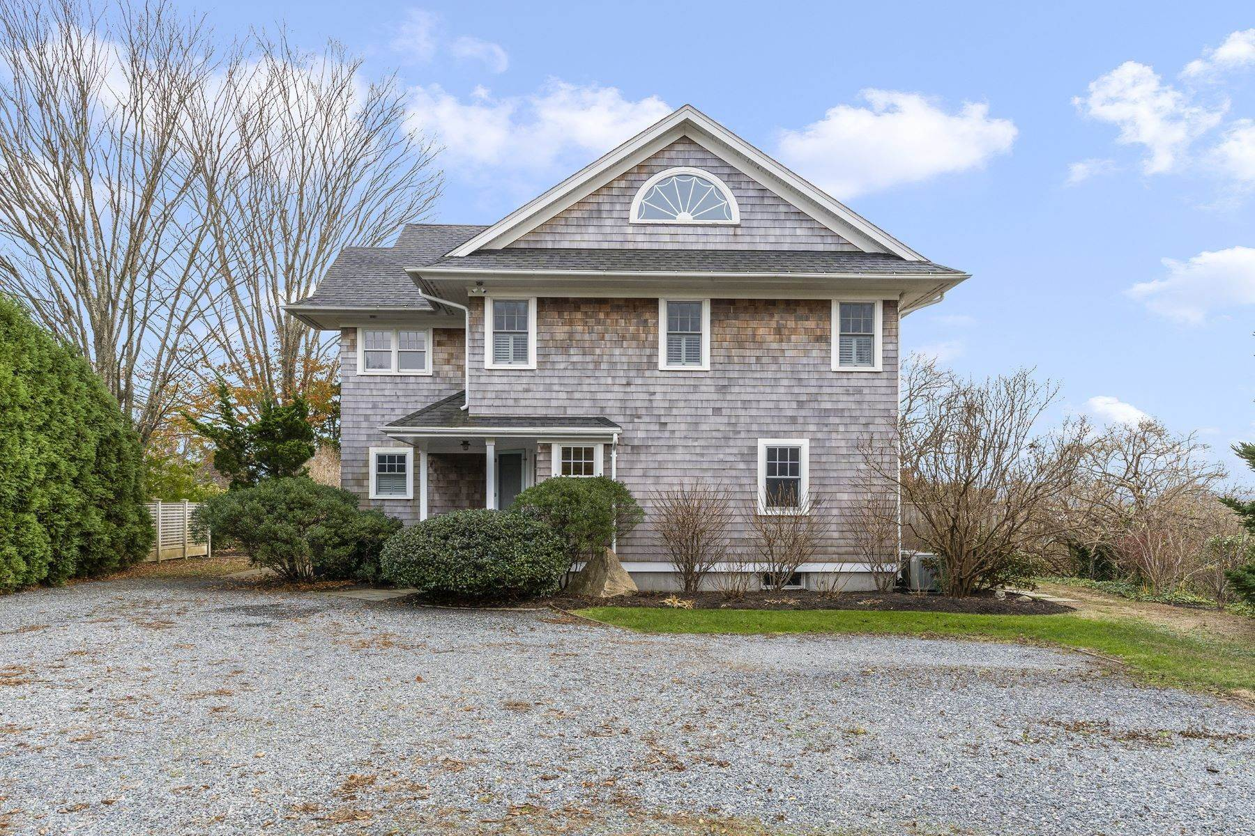 Single Family Homes por un Venta en 5 Upland Road Westerly, Rhode Island 02891 Estados Unidos