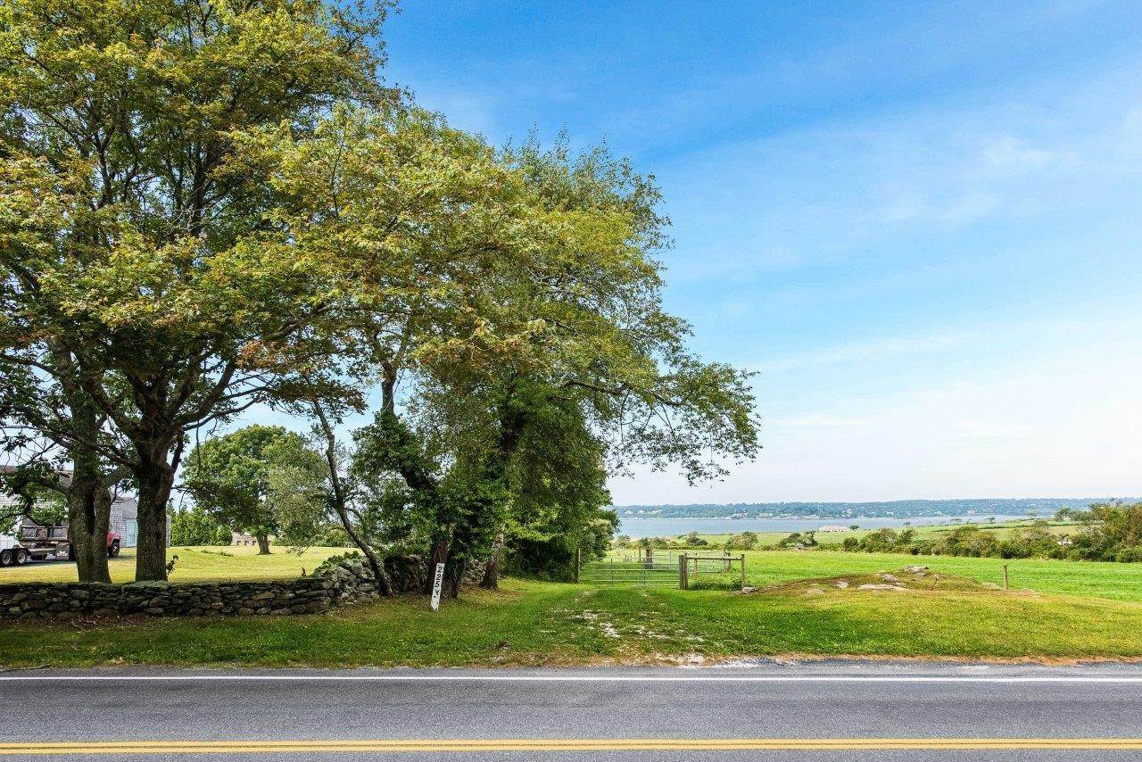 Land for Sale at 226 - C,D,E WEST MAIN RD Little Compton, Rhode Island 02837 United States