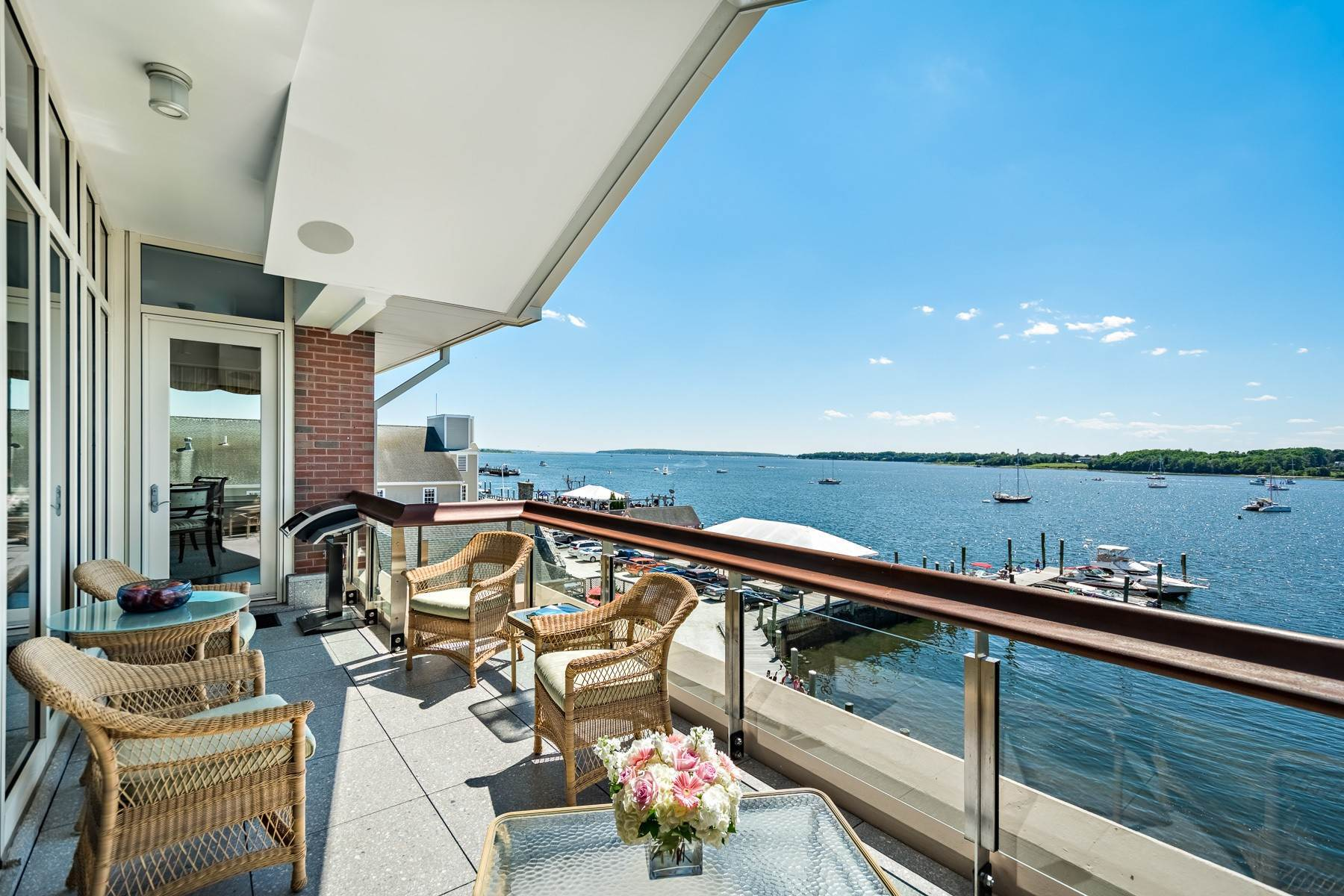 8. Condominiums for Sale at 341 THAMES ST, UNIT#303S, 303S Bristol, Rhode Island 02809 United States