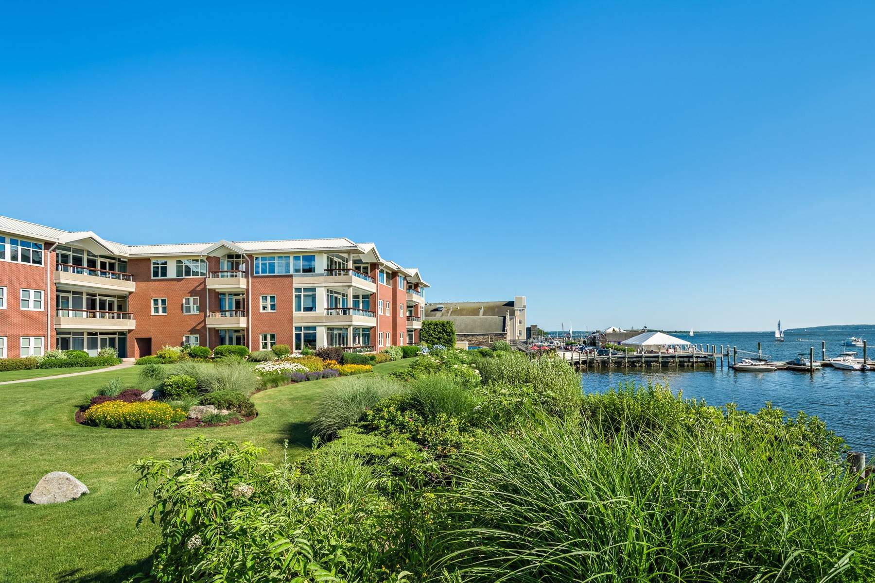 5. Condominiums for Sale at 341 THAMES ST, UNIT#303S, 303S Bristol, Rhode Island 02809 United States