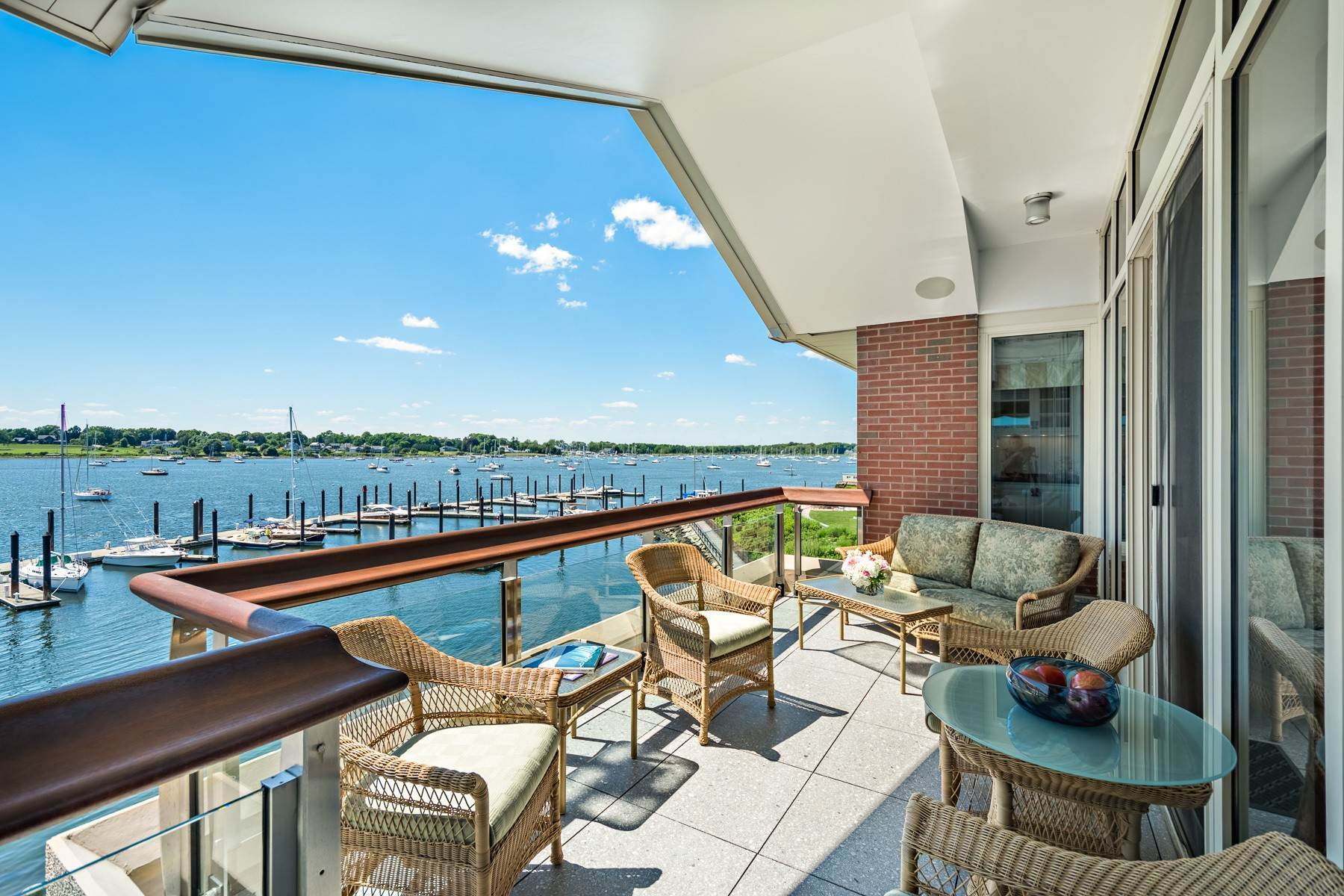 10. Condominiums for Sale at 341 THAMES ST, UNIT#303S, 303S Bristol, Rhode Island 02809 United States
